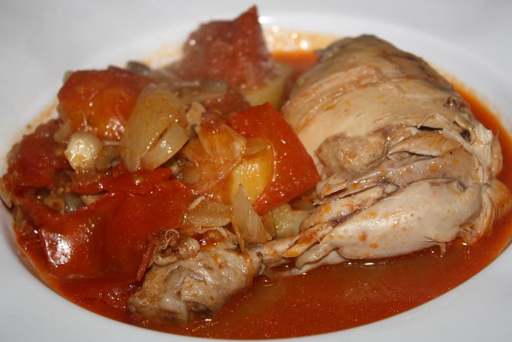 poulet mijot sauce tomates cerises romarin sacl et pommes de terre les d lices de letiss. Black Bedroom Furniture Sets. Home Design Ideas