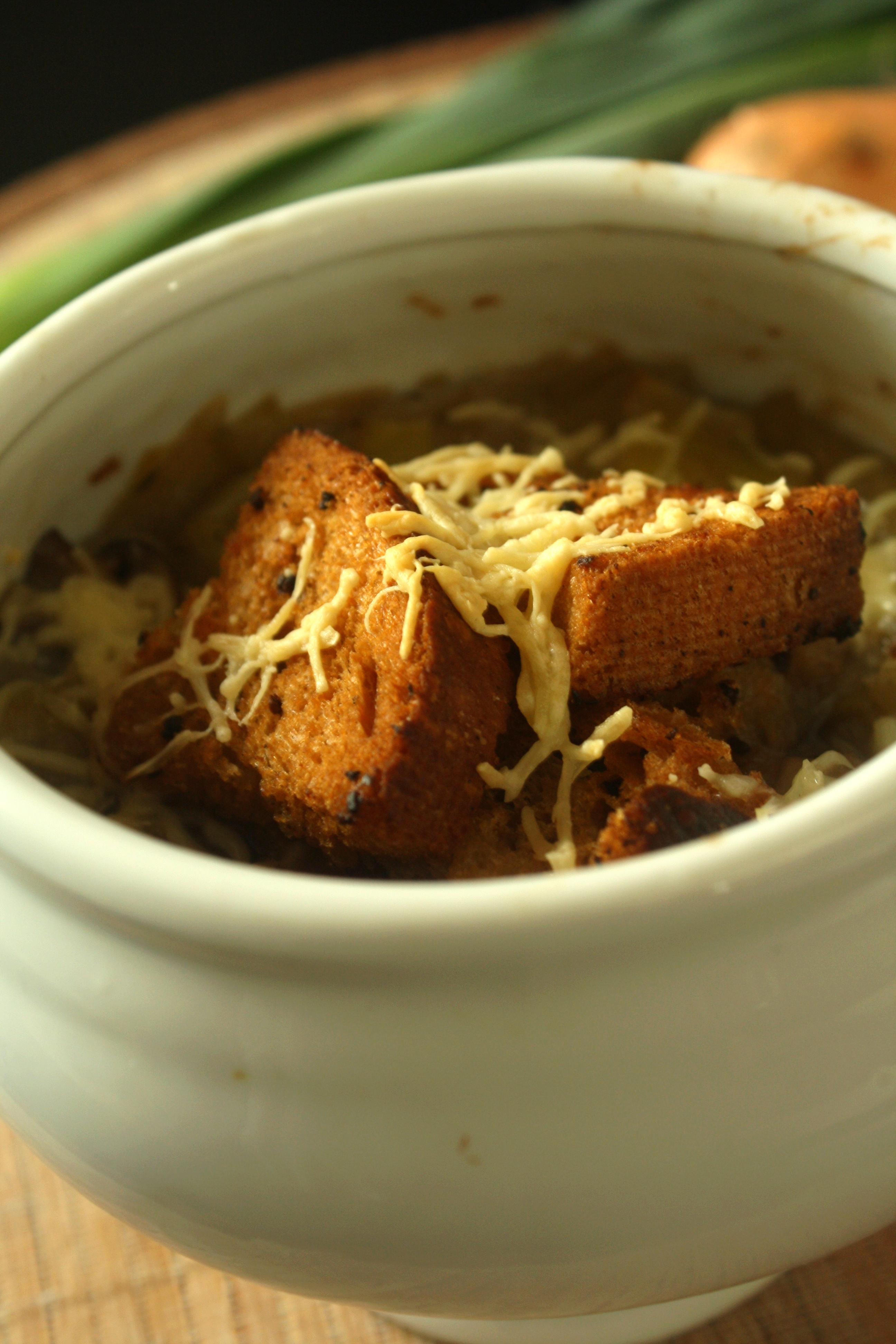 Soupe gratin e l oignon poireaux champignons ros s les d lices de letiss - Soupe a oignon maison ...
